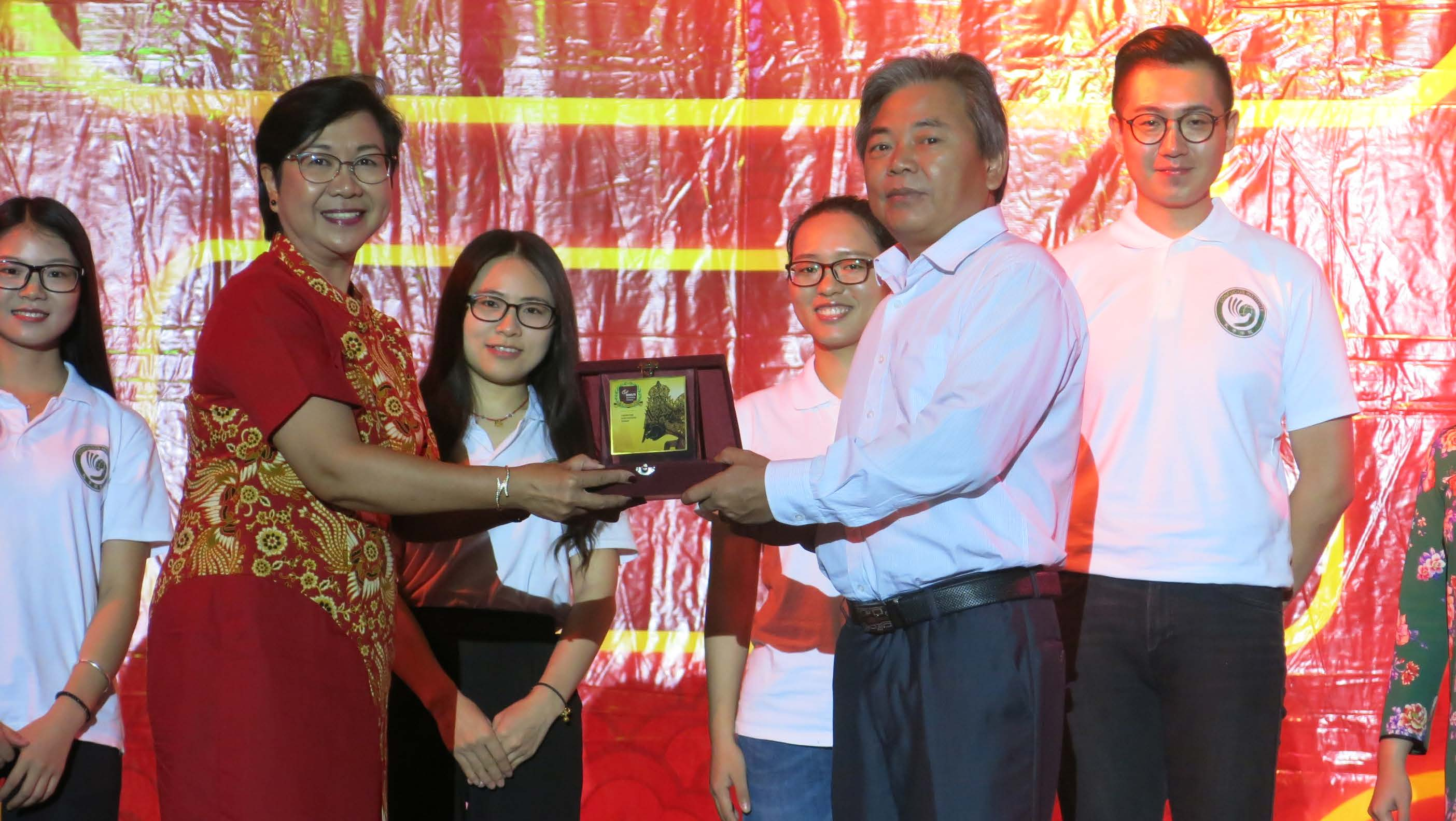 Working together with Confusius Institute, ECY/EL BINUS SCHOOL Serpong introduces the fascinating art of Chinese Calligraphy